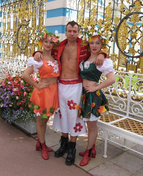 http://www.rgevsky.ru/photos/2006_08_park/01.jpg